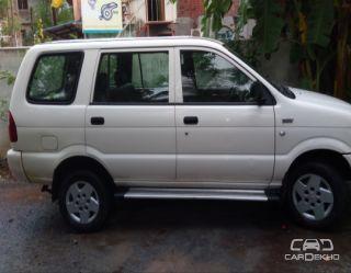 2010 Chevrolet Tavera Neo LS B3 - 10 seats BSIII